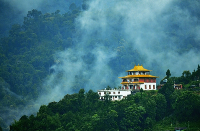 OYO Total Holidays – India Tour Packages, Best Travel